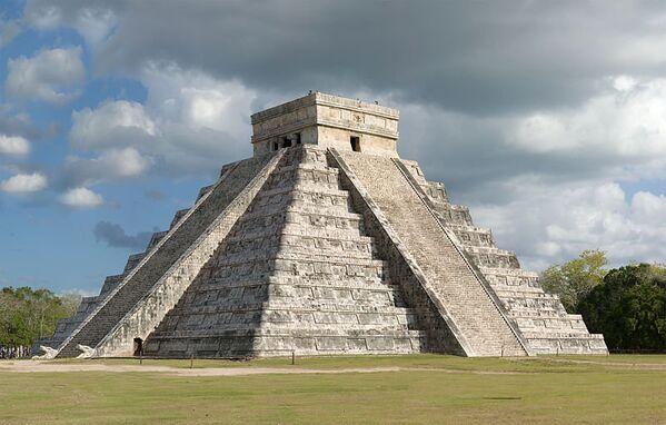La pyramide de Kukulcán située à Chichén Itzá au Mexique. - Sputnik France