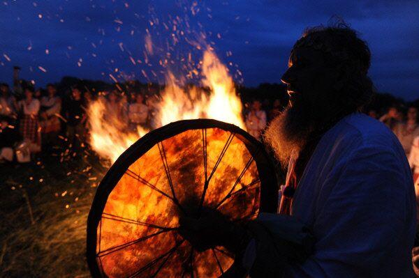 Ivan Koupala, la Saint-Jean, est une fête païenne d'été des slaves occidentaux et orientaux. Elle est célébrée en Russie, Biélorussie, Pologne, Lituanie, Lettonie, Estonie, Ukraine et Finlande.