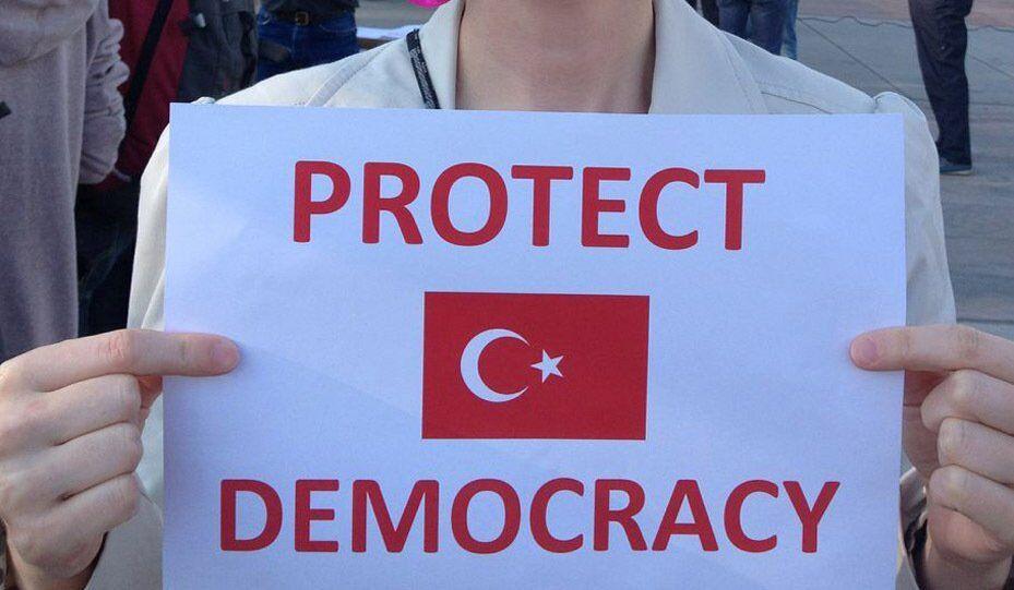 Turquie : l'opposition commence les pourparlers avec le gouvernement