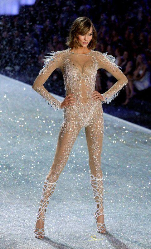 Constance Jablonski lors du défilé Victoria's Secret 2013.