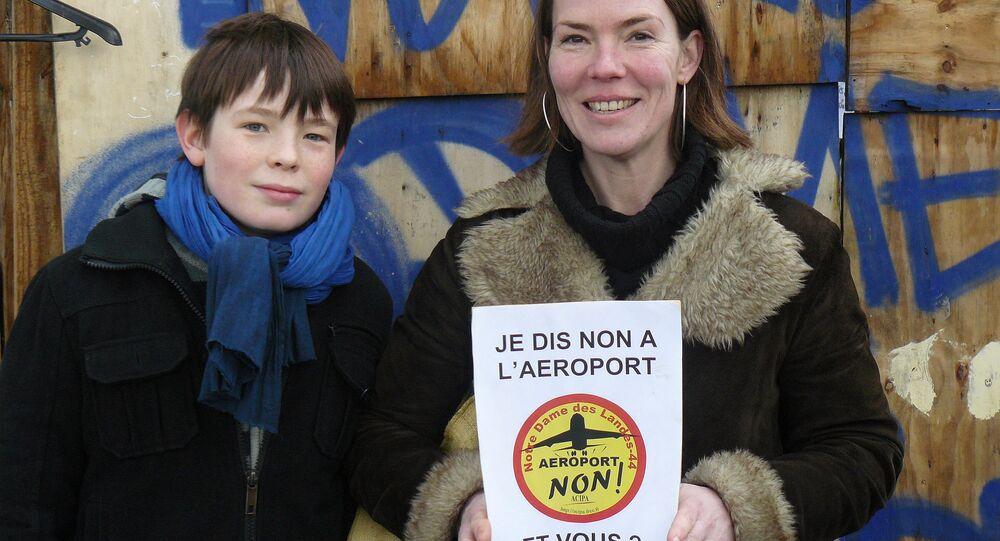 Nantes: 60.000 manifestants contre la construction de l'aéroport