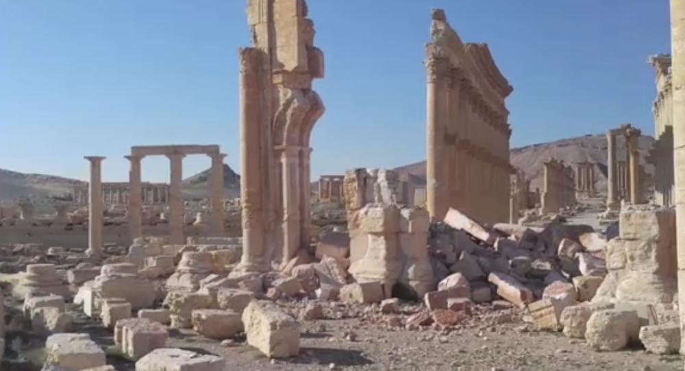 Arc de triomphe de Palmyre détruit par Daech