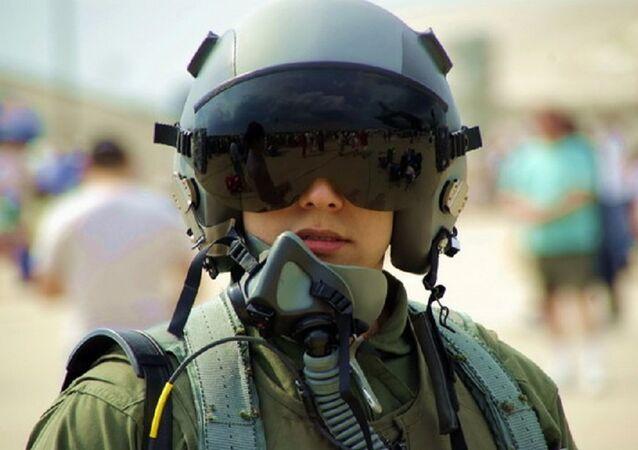 Une pilote. Image d'illustration