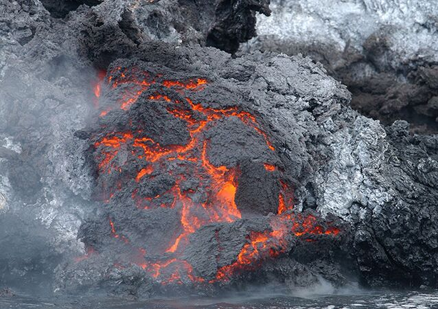 Eruption volcanique aux Tonga: une nouvelle île est née