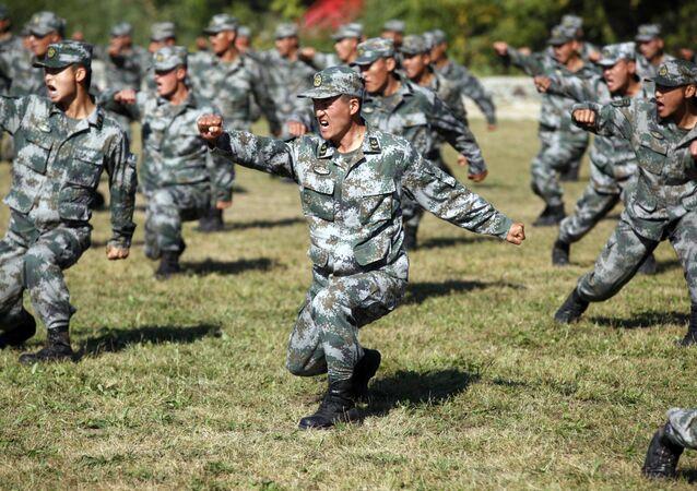 Militaires chinois lors d'un exercice