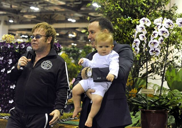 Elton John, David Furnish et Zachary Jackson Levon Furnish-John