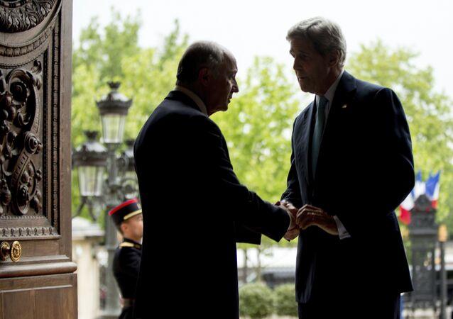 John Kerry et Laurent Fabius, Paris, le 8 Mai, 2015