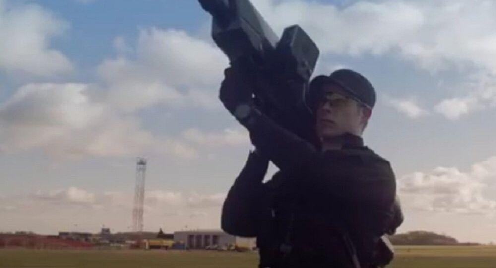 Et voici un nouveau bazooka pour abattre des drones (vidéo)