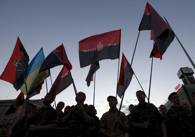 Des membres du mouvement ultranationaliste Secteur droit