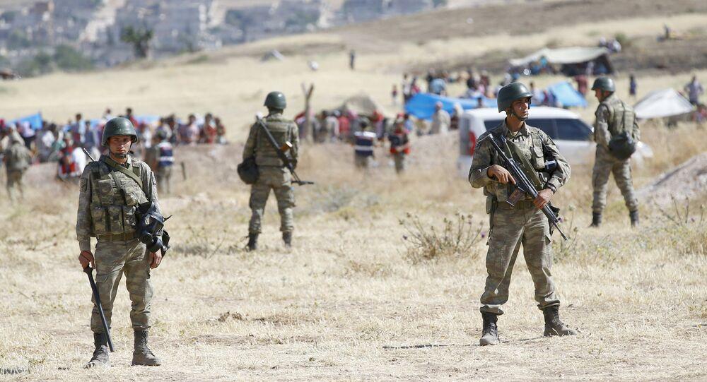 Militaires turcs à la frontière syrienne