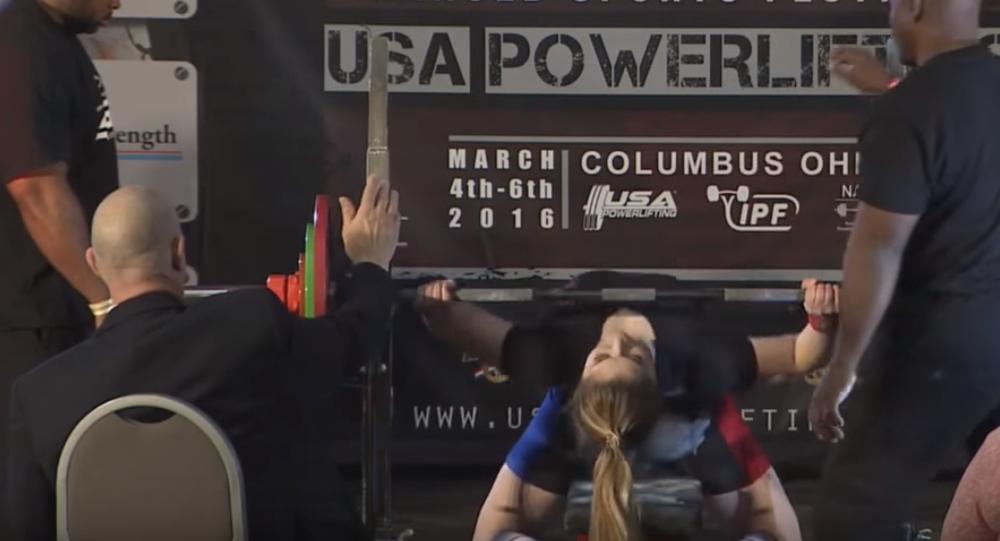 L'athlète russe Maryana Naumova bat un record du monde aux Etats-Unis