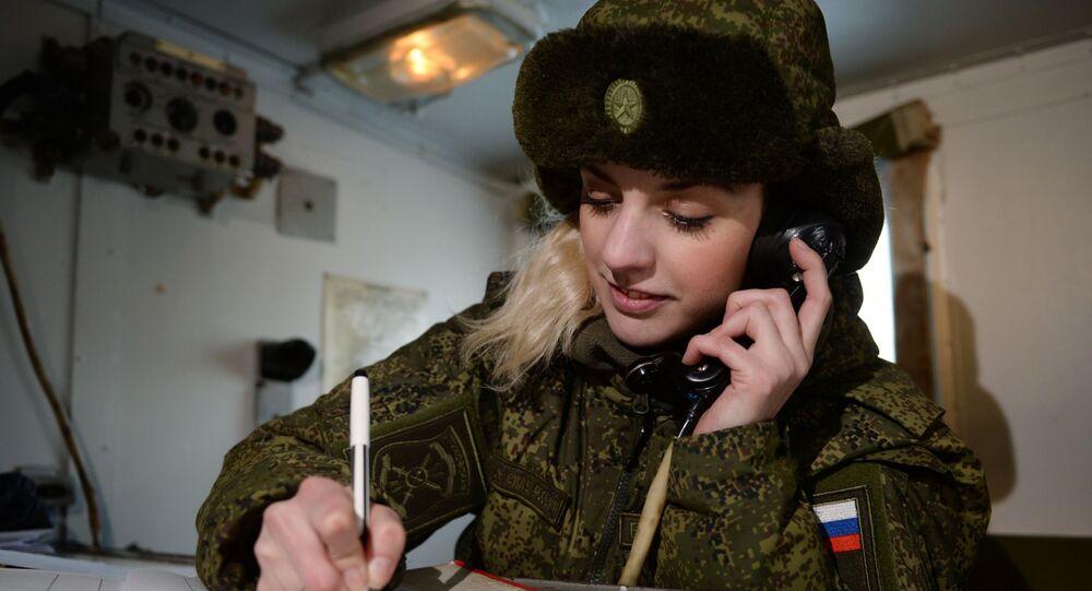 Femme militaire russe
