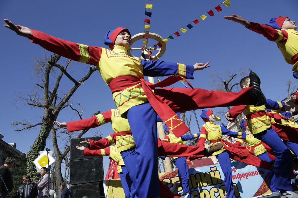 Maslenitsa, célébration du Mardi Gras en Russie 2016
