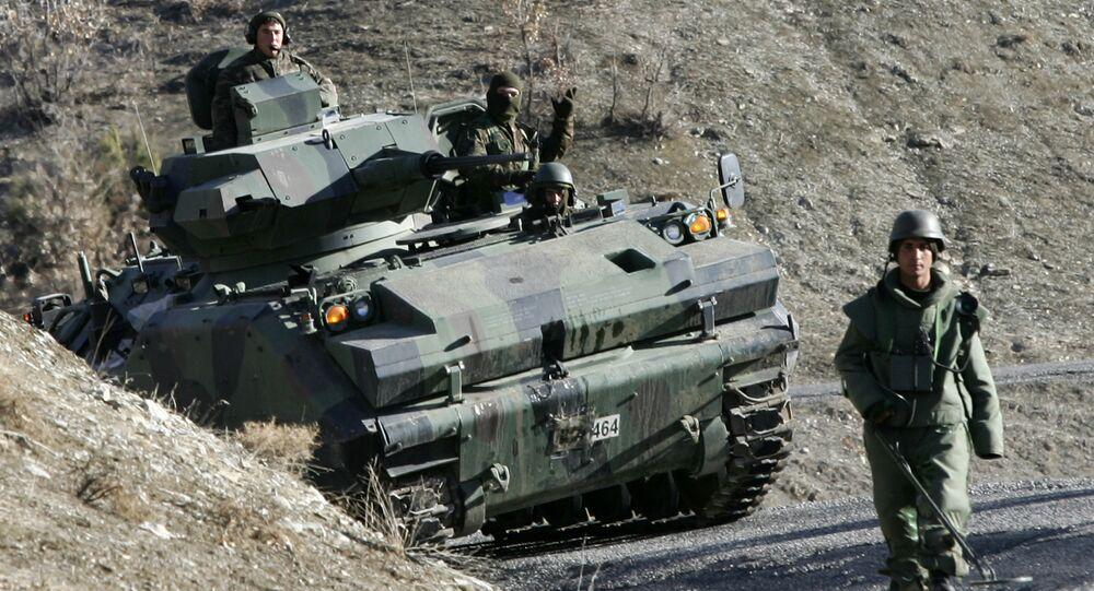 Des soldats turcs en patrouille dans la province de Sirnak