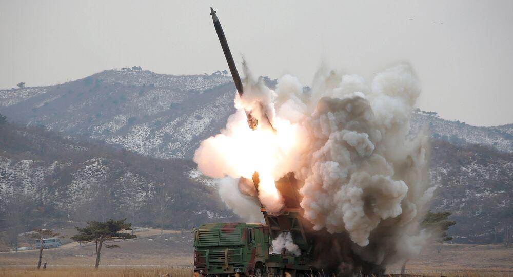 le lancement de missiles
