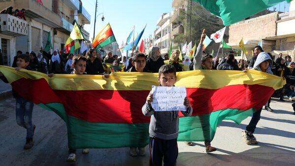 le drapeau du parti kurde PYD - Sputnik France