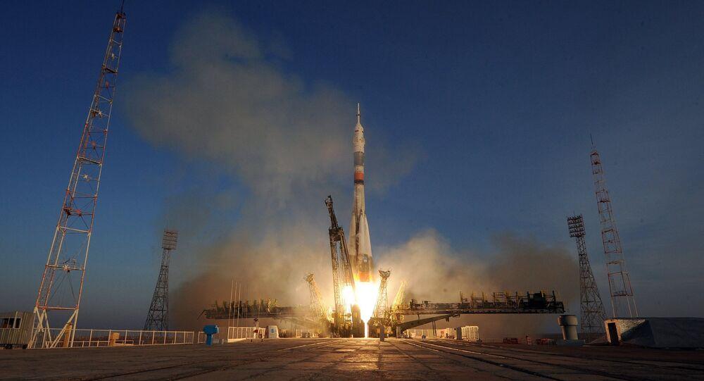 Soyuz TMA-19M spacecraft lifts off from Baikonur Space Center