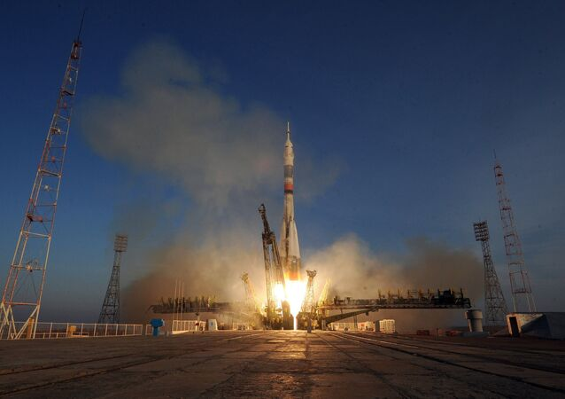 Soyuz TMA-19M spacecraft lifts off from Baikonur Space Center