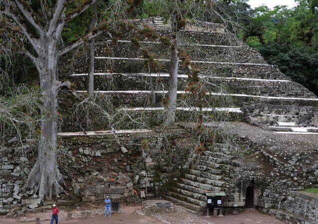 Archéologues: le jeu de balle professionnel existait chez les Mayas