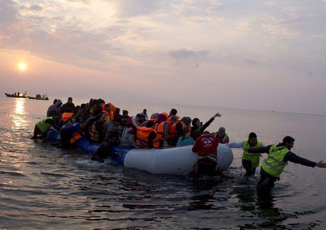 La Grèce commence à renvoyer des migrants vers la Turquie