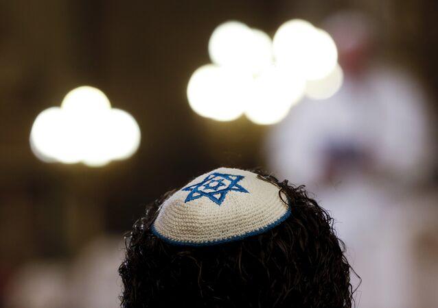 Un Israélien poursuit Dieu, ce dernier ne se présente pas au tribunal