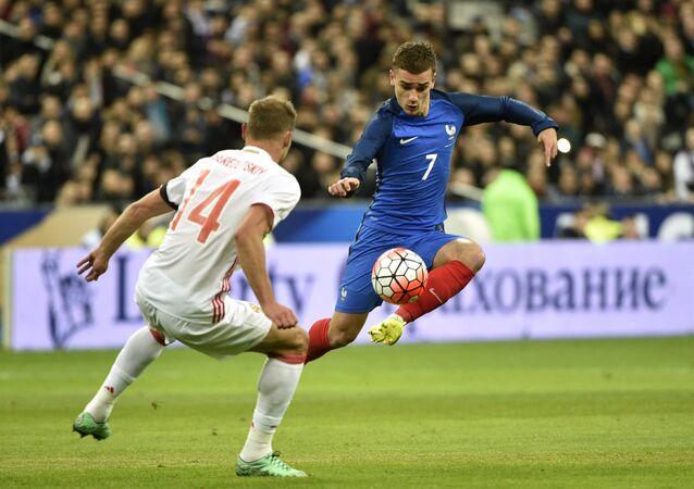 Euro-2016: la France bat la Russie 4 à 2 en match amical