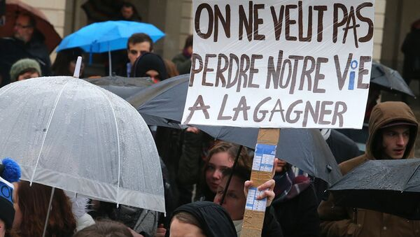 Le mouvement national contre la loi Travail - Sputnik France