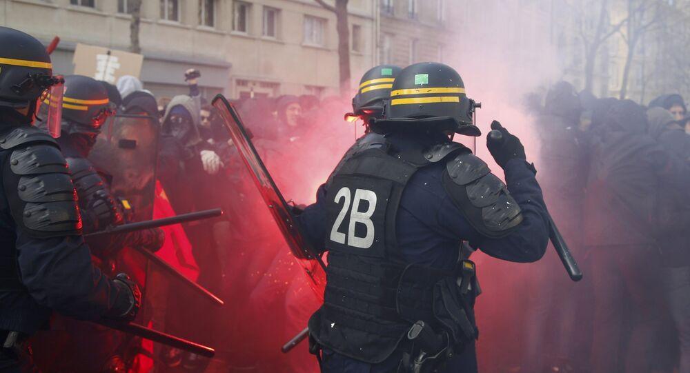 Manifestation contre la loi travail à Paris, avril 2016