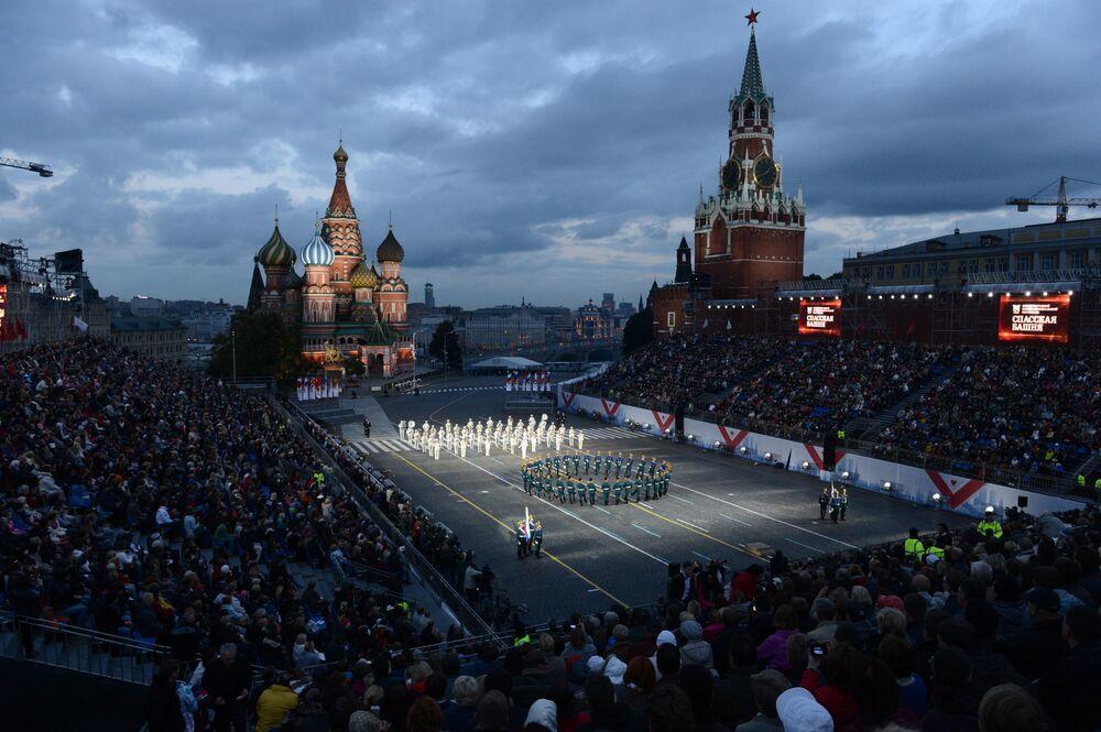Régiment du Kremlin: 80 ans de garde