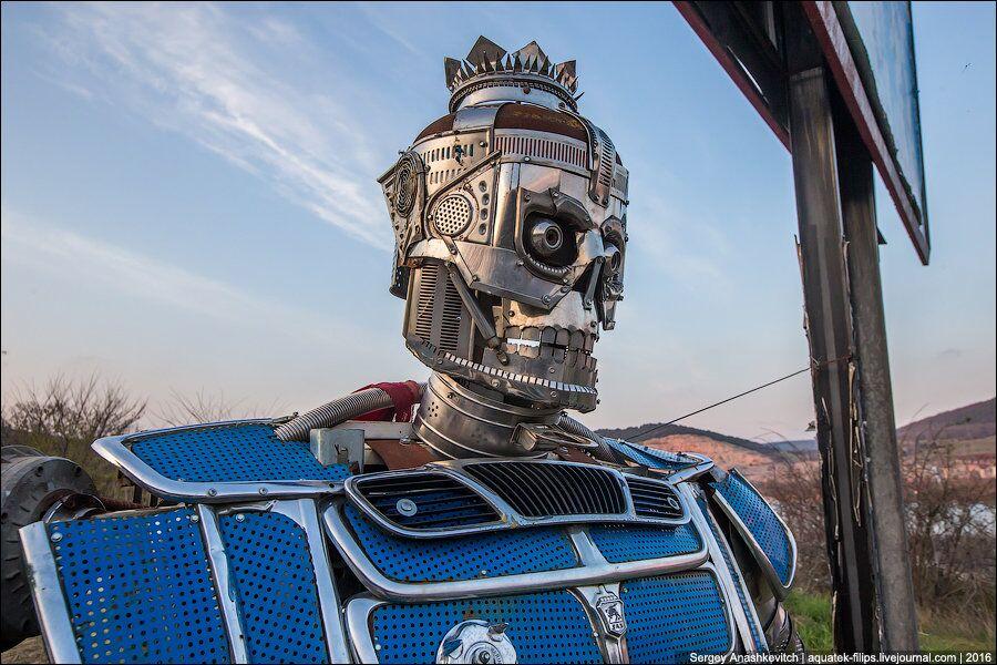 Celui-ci rappelle Optimus Prime, peut-être par son regard?