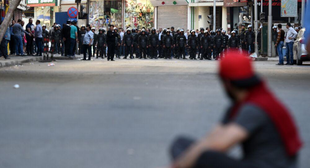 Manifestations en Egypte: la police lance des gaz lacrymogènes