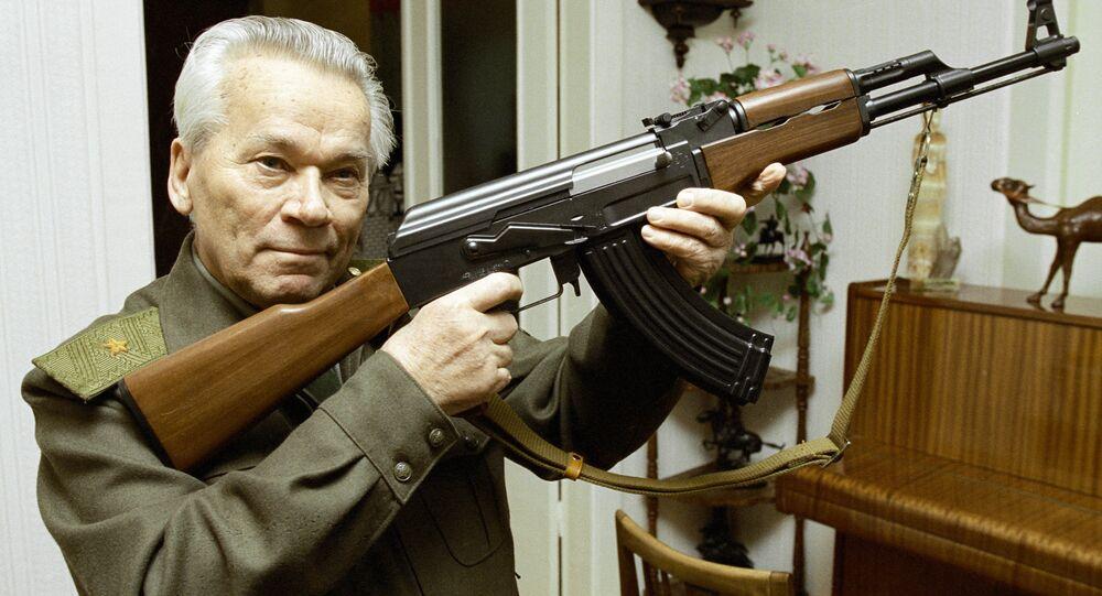 Mikhaïl Kalachnikov, ingénieur, lieutenant-général, inventeur de l'AK