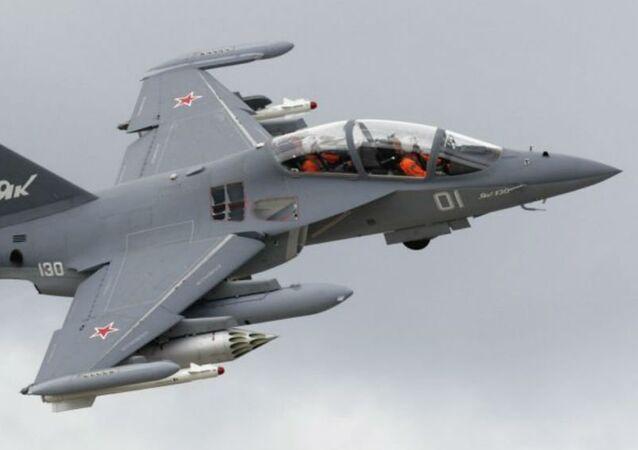 Avion d'entraînement et de combat russe Yak-130