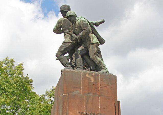 Monument à l'Armée soviétique à Varsovie