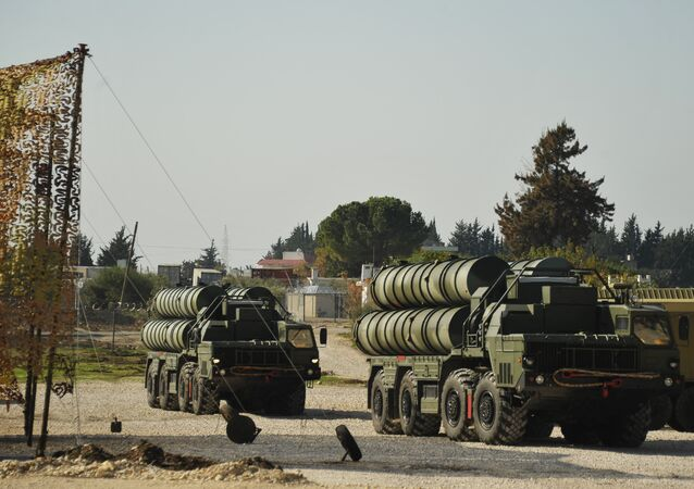 The S-400 on combat duty in Latakia, ensuring the safety of the Russian air group.