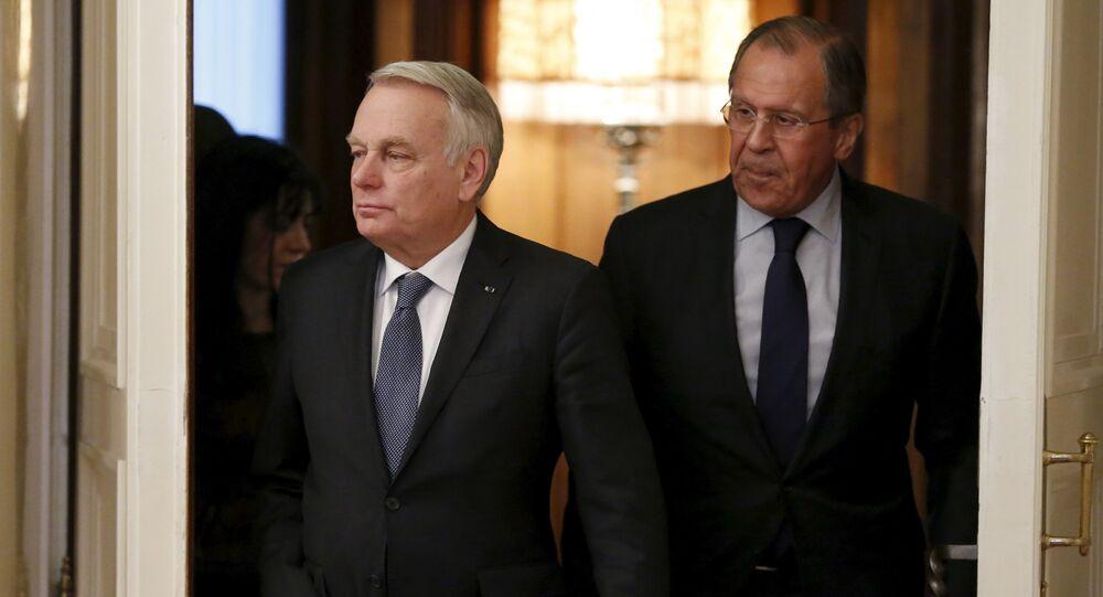 Jean-Marc Ayrault  et Sergeï Lavrov lors d'une rencontre à Moscou.