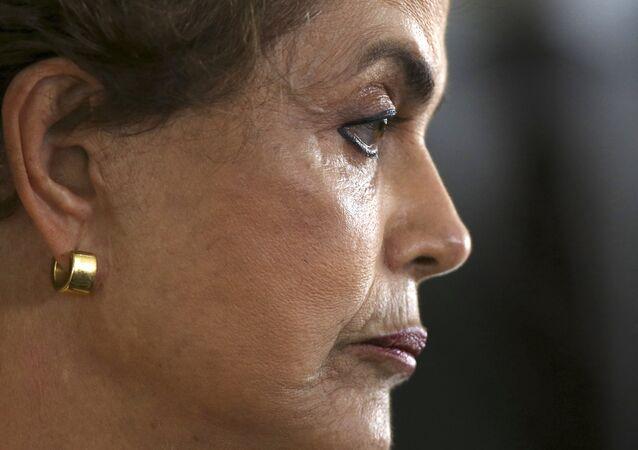 L'ex-Présidente brésilienne évoque les éventuelles causes de sa destitution
