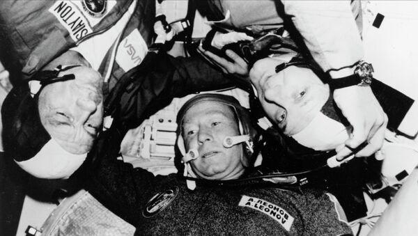 Donald K. Slayton, Alekseï Leonov et Thomas P. Stafford - Sputnik France
