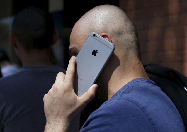 Le FBI débloque encore un iPhone