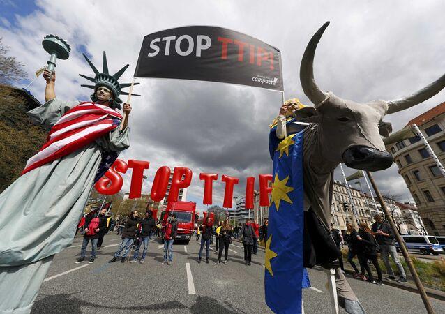 Une manifestation contre le TTIP à Hanovre