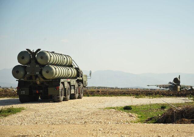 Système de défense antiaérienne et antimissile russe S-400