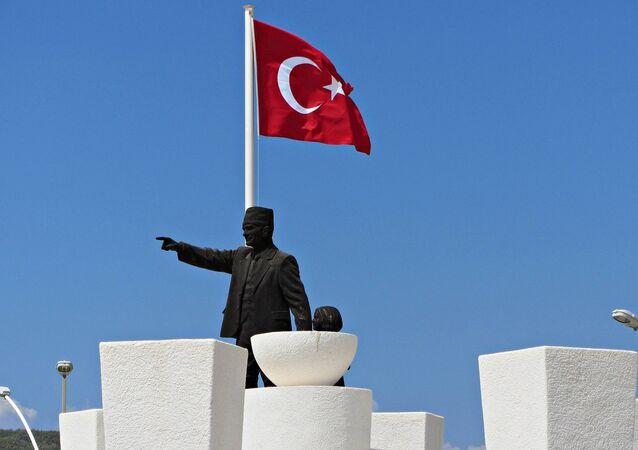 En Turquie, le retour de l'islam dans la constitution fait débat