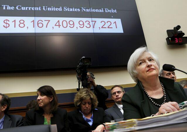 Le président du conseil de la Réserve fédérale Janet Yellen se prépare à témoigner devant la Chambre des services financiers sur le 15 Juillet 2015