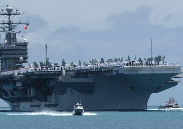 Porte-avions nucléaire USS John C.Stennis