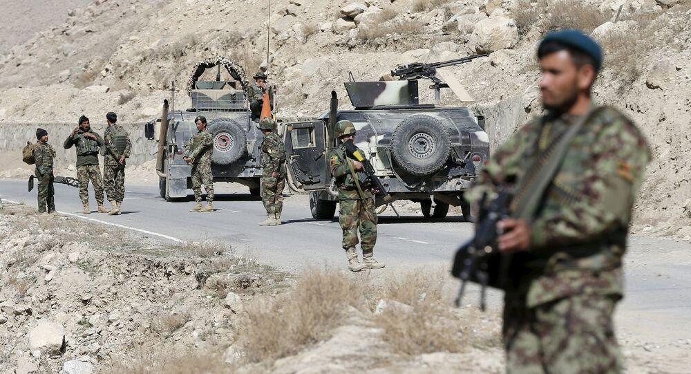 Des soldats afghans