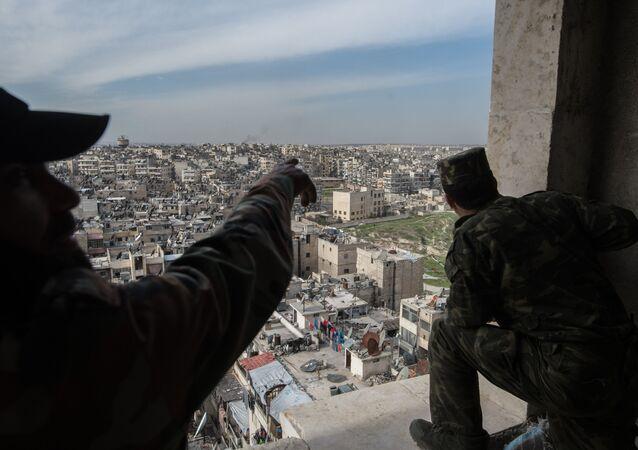 L'armée syrienne repousse les terroristes près d'Alep