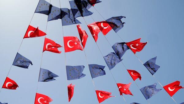 Couleurs de la Turquie et de l'UE - Sputnik France