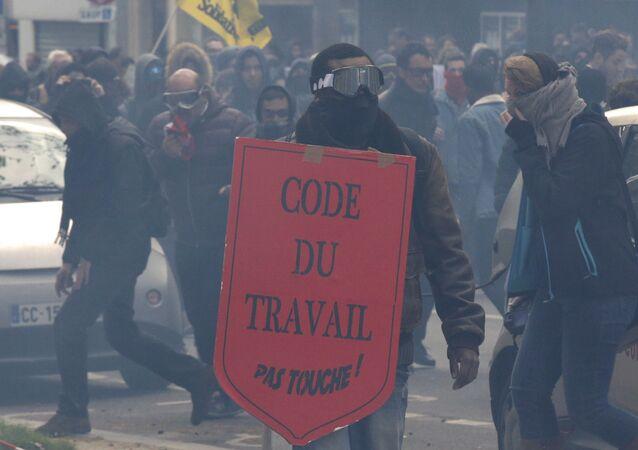 Loi travail: manifestants à Paris
