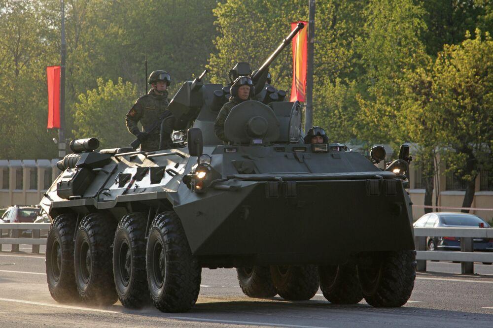 Véhicule blindé BTR-82. Répétition du défilé de la Victoire, Moscou