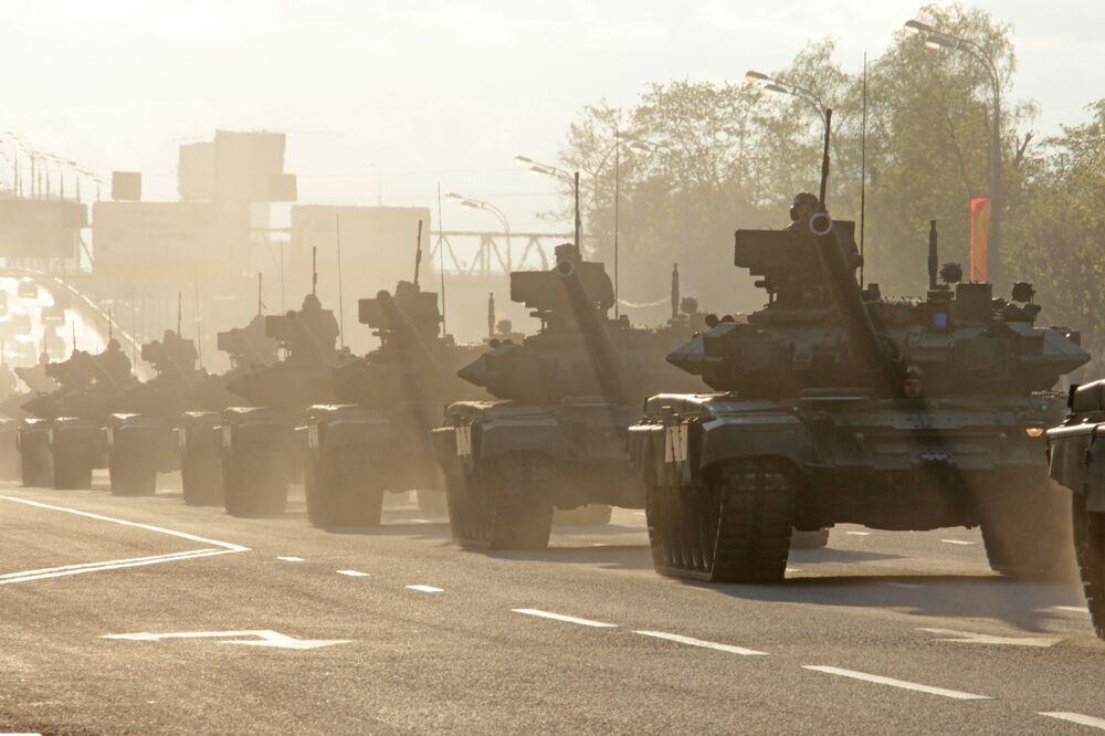 Char T-90. Répétition du défilé de la Victoire, Moscou
